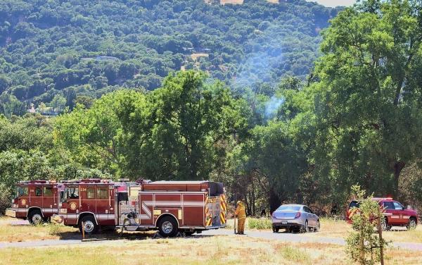 Vegetation fire off Bernal contained | News | PleasantonWeekly com |